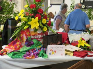 IMG 0199 rShop til you drop St Ippolyts Flower Festival 28th May 2016