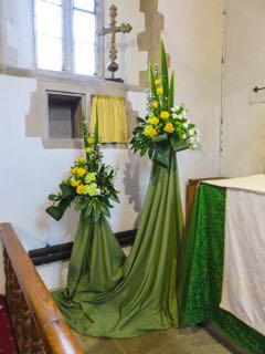 IMG 0206 rThe altar decoration St Ippolyts Flower Festival 28th May 2016