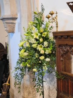 IMG 0207 rThe pulpit decoration St Ippolyts Flower Festival 28th May 2016
